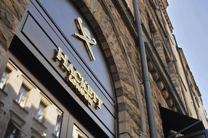 Hacket Stockholm butiksskylt LPFLEX